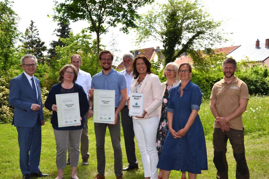 Auszeichnung der Möllner Grundschulen Tanneck und Till-Eulenspiegel als Naturpark-Schulen