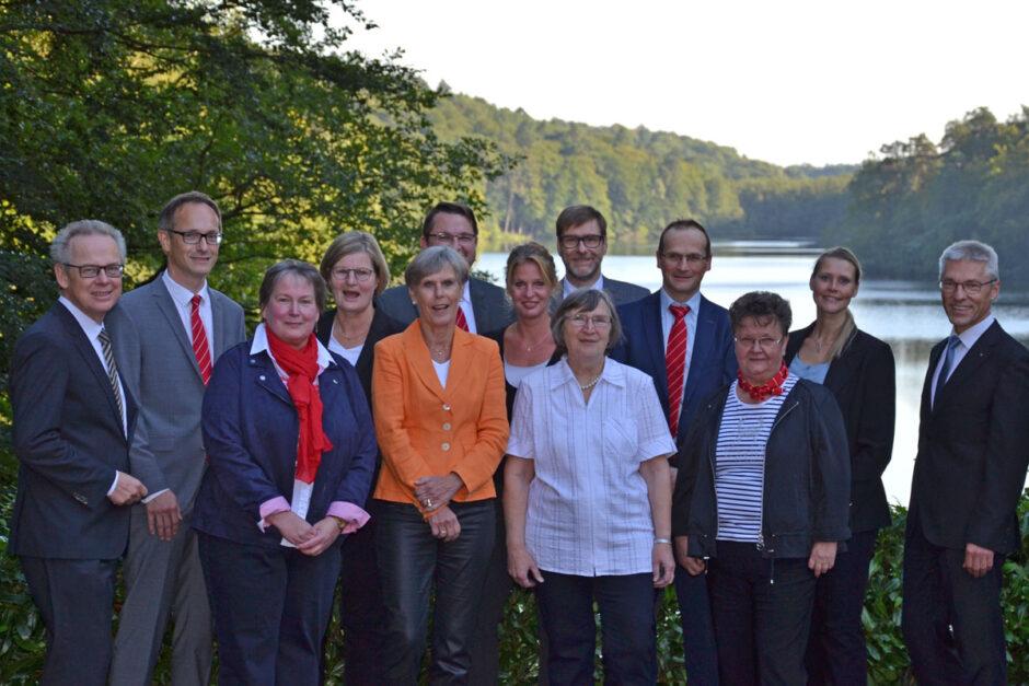 Kreissparkasse ehrt Jubilare für 465 Jahre Engagement